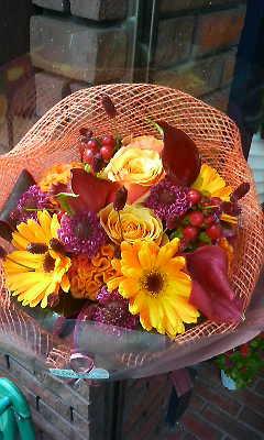 ハロウィンカラーの花束_c0137266_21274412.jpg