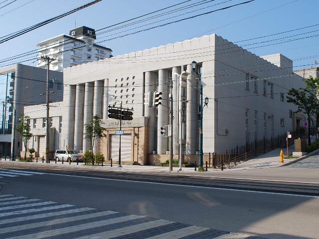 函館・百十三銀行本店(建築家・関根要太郎作品研究、その1)_f0142606_610235.jpg
