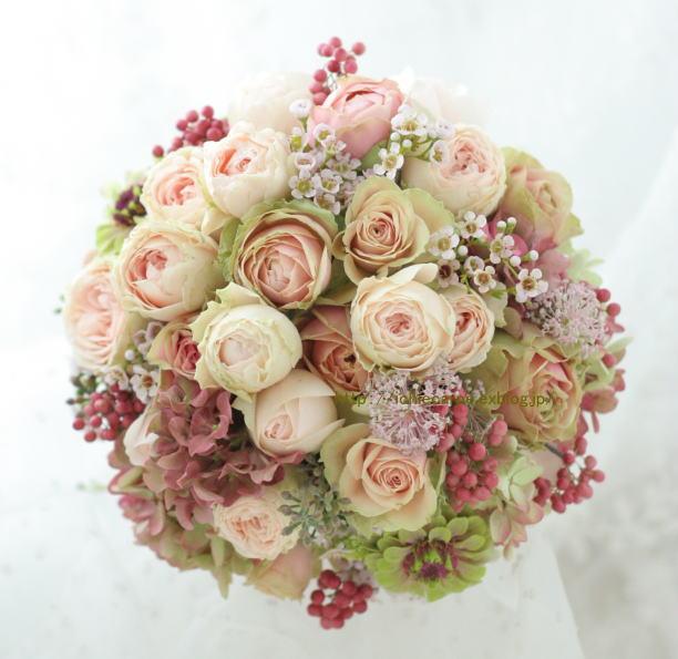 クランベリー色のドレスに 可愛い花で アンカシェット様へ _a0042928_22143757.jpg