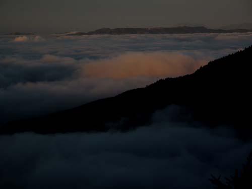 見渡す限りの雲海_e0120896_6421952.jpg