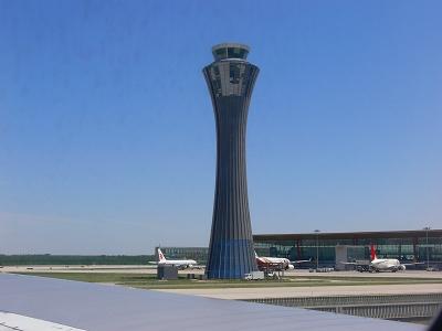 中国出張2010年05月-第一日目-北京でトランジット、飛行機トラブルで2時間待ち_c0153302_0485668.jpg