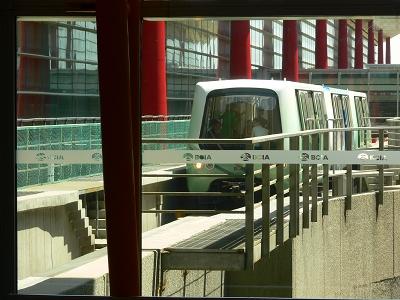 中国出張2010年05月-第一日目-北京でトランジット、飛行機トラブルで2時間待ち_c0153302_0535492.jpg
