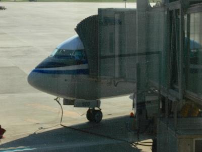 中国出張2010年05月-第一日目-北京でトランジット、飛行機トラブルで2時間待ち_c0153302_058431.jpg