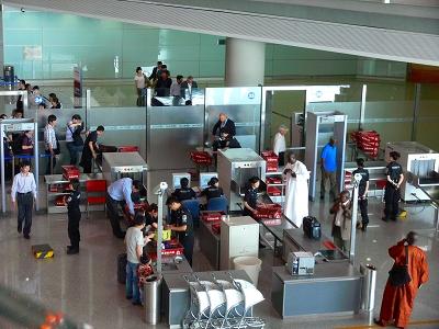 中国出張2010年05月-第一日目-北京でトランジット、飛行機トラブルで2時間待ち_c0153302_058729.jpg