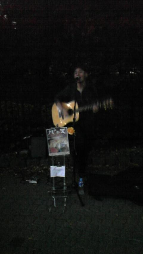 雨の闇夜で・・・バルス代々木公園ライブ_a0112393_22243999.jpg