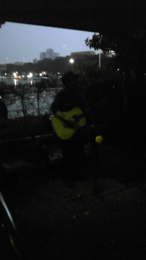 雨の闇夜で・・・バルス代々木公園ライブ_a0112393_2225117.jpg