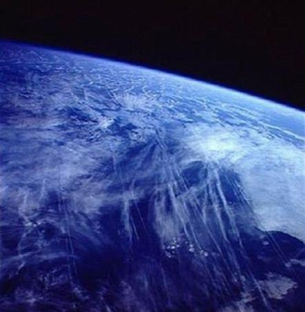 「地球温暖化」の次は「地球薄明化(グローバル・ディミング)」!?:その原因はケムトレイル?_e0171614_2049122.jpg