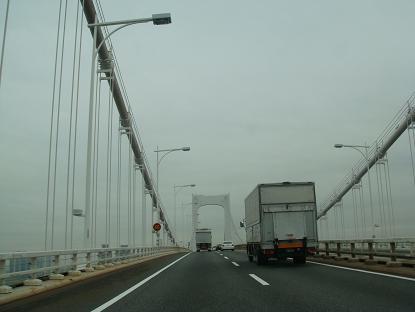 雨の橋から_a0014840_23584291.jpg