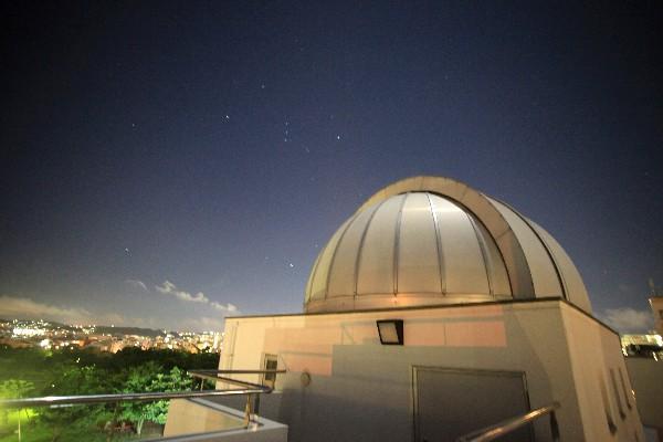 オリオン座と天文台_a0095470_23303761.jpg