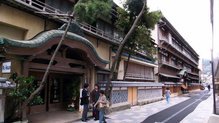 熱海近代別荘建築探訪・旧日向別邸など_b0061387_1157665.jpg