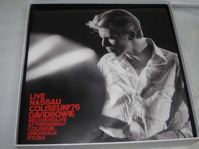 DAVID BOWIE / Live Nassau Coliseum \'76 _b0042308_1875243.jpg