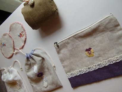 刺繍教室 額入り刺繍の会を開催しました・・・♪_f0168730_20650100.jpg