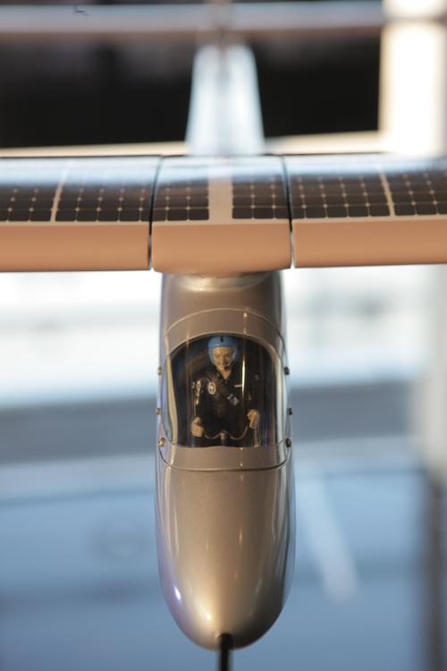 オメガ/ソーラーインパルスのパイロットが緊急来日_f0039351_11391412.jpg