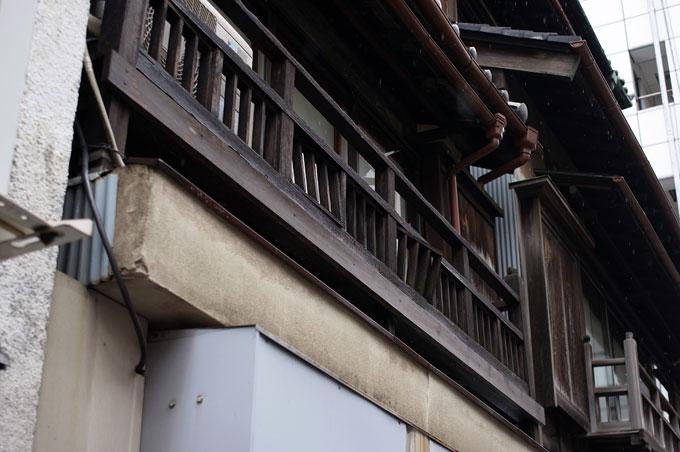 雨の人形町 弐丁目_e0082981_22242056.jpg