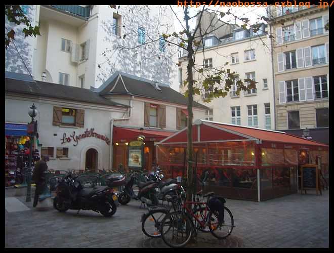 【キャフェ・レストラン】街角のキャフェ10月25日(PARIS)_a0014299_2013253.jpg