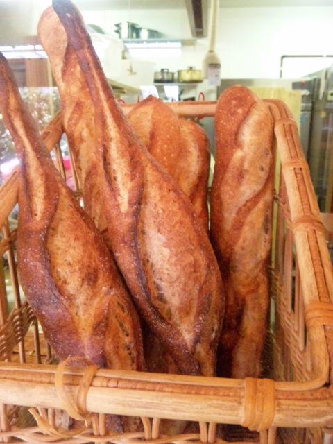 フランスパンがいい感じです。_a0072505_14595821.jpg
