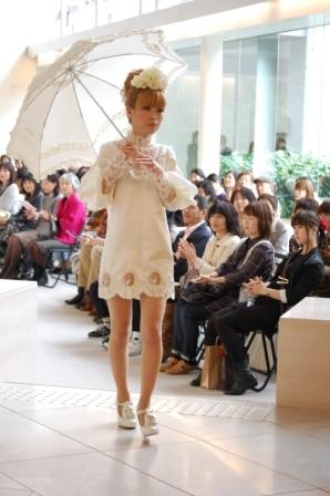ヴィクトリアンファッションショー報告!(^_-)-☆_b0163640_1754396.jpg