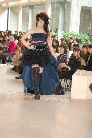 ヴィクトリアンファッションショー報告!(^_-)-☆_b0163640_1761033.jpg