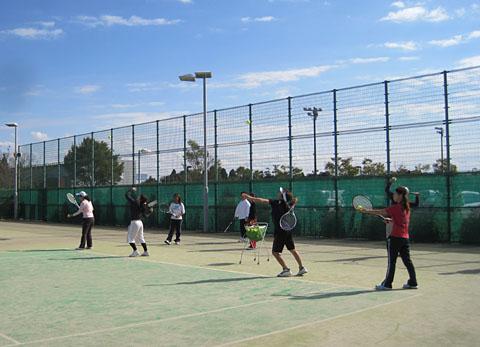 水曜テニスサークル、会員が増えました_a0151444_17244280.jpg
