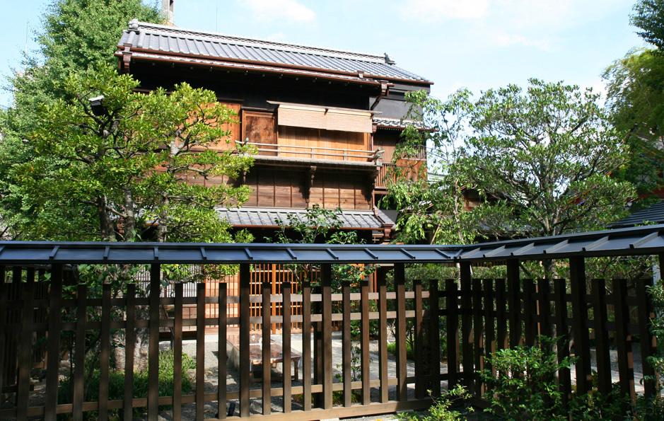 御茶の水 神田の家/遠藤家旧店舗・住宅主屋 _e0127948_1629344.jpg