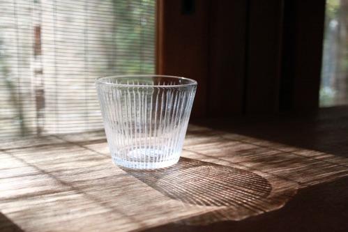 ガラス器の影に感動!! : 豆豆暮らし。。