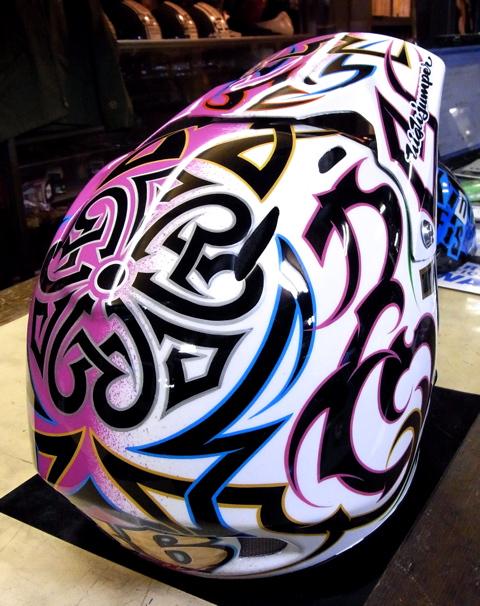 三村君のヘルメット_c0223486_2264692.jpg