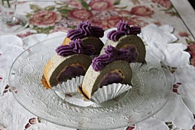紫芋でロール_f0007106_1416391.jpg