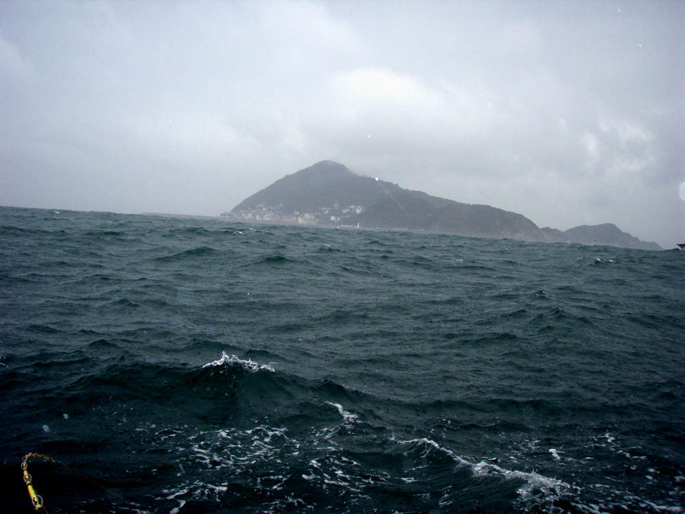 2010年10月28日(木) 知多半島 大井港より釣行_d0171823_23195972.jpg