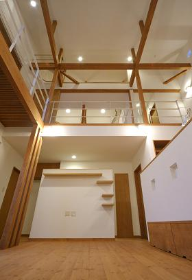 住宅設計 ~ 吹抜けのあるリビングルーム ~ _b0146238_155996.jpg