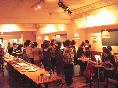 大阪のジョイセフフレンズによる、Mom\'s Night Out パーティ!_c0212972_23203939.jpg