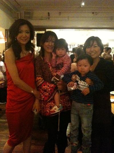 大阪のジョイセフフレンズによる、Mom\'s Night Out パーティ!_c0212972_23294344.jpg