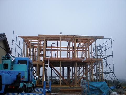 東細谷町の家 上棟_e0145995_2022211.jpg