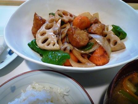 新米のご飯とテンペの酢豚風…_b0093660_21153063.jpg