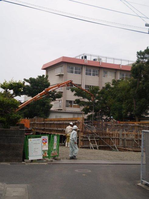 谷山マンション~コンクリート打設_d0174072_9254937.jpg