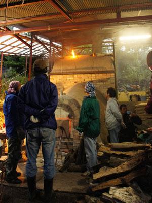 窯焚き。_a0026127_1892152.jpg
