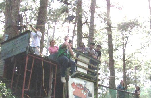 身近にあるハイキング・コース Eco Trail in Camp John Hay_a0109542_20305889.jpg
