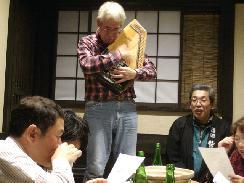 鷲の尾の会、酒あり料理あり歌もあり!?笑_f0055803_1542026.jpg