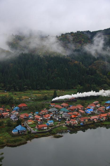 2010年秋 只見紅葉号 本運転(2) - 雲と汽車と村と川 - _b0190710_20535684.jpg