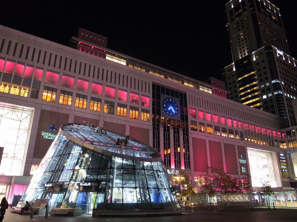 ピンクの札幌駅_b0103470_20433871.jpg