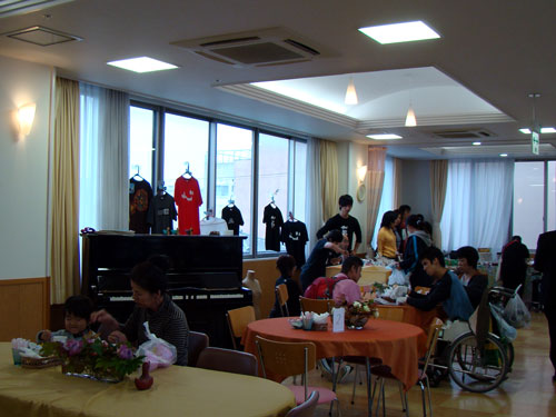 もみじ福祉会と三次中学校_a0047200_2054429.jpg