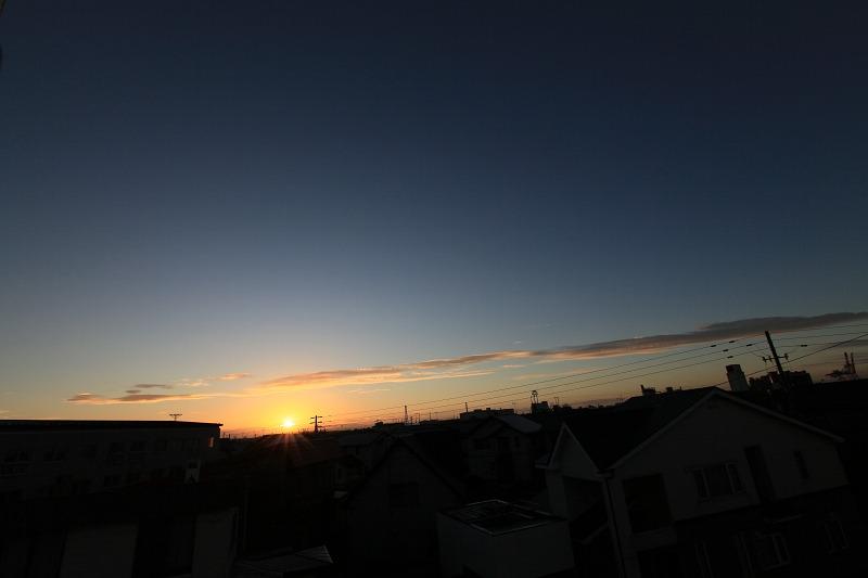 日の出位置も だいぶ変わってきた_a0160581_21342012.jpg
