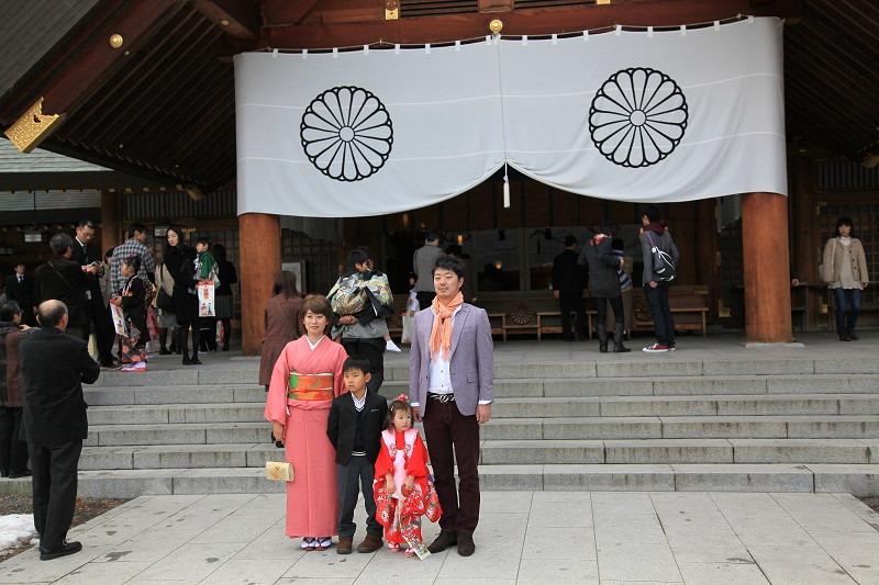 北海道神宮へ参拝 今日は七五三 可愛らしい_a0160581_2144091.jpg