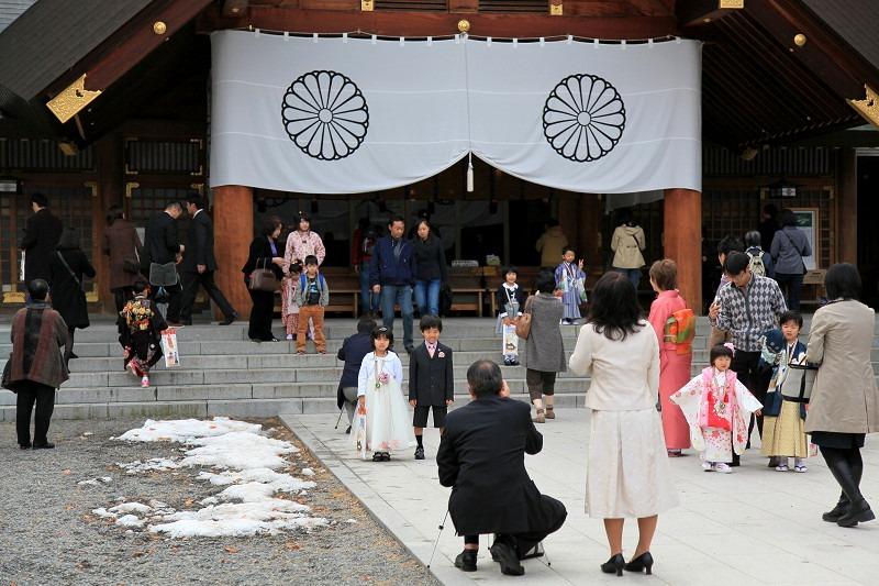 北海道神宮へ参拝 今日は七五三 可愛らしい_a0160581_21442867.jpg