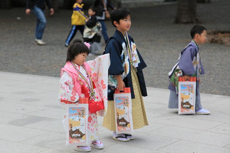 北海道神宮へ参拝 今日は七五三 可愛らしい_a0160581_21444398.jpg