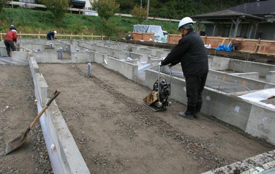 トント園:防湿コンクリート準備_e0054299_13203468.jpg