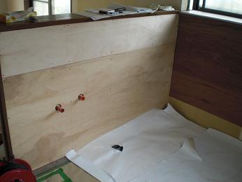 入居前の中古住宅リフォーム中です。~ システムキッチン完成です_d0165368_6544666.jpg
