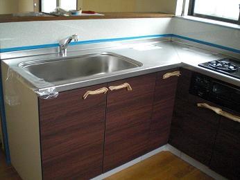 入居前の中古住宅リフォーム中です。~ システムキッチン完成です_d0165368_6563648.jpg