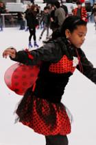 今年もブライアントパークのスケートリンクがオープン_b0007805_2021246.jpg