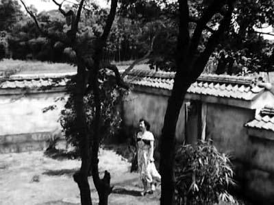 溝口健二監督『武蔵野夫人』(東宝、1951年、音楽監督・早坂文雄) その2_f0147840_2318997.jpg