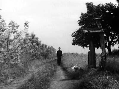 溝口健二監督『武蔵野夫人』(東宝、1951年、音楽監督・早坂文雄) その2_f0147840_23552733.jpg